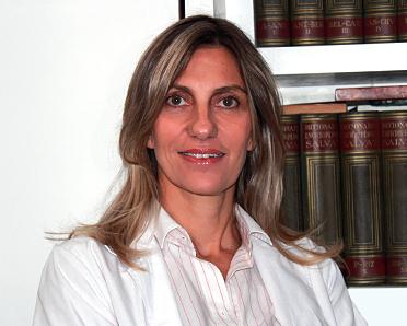 Lic. Analía Urretavizcaya